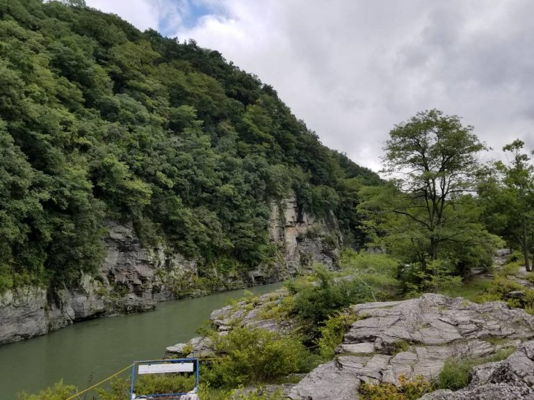 長瀞ライン下りする川