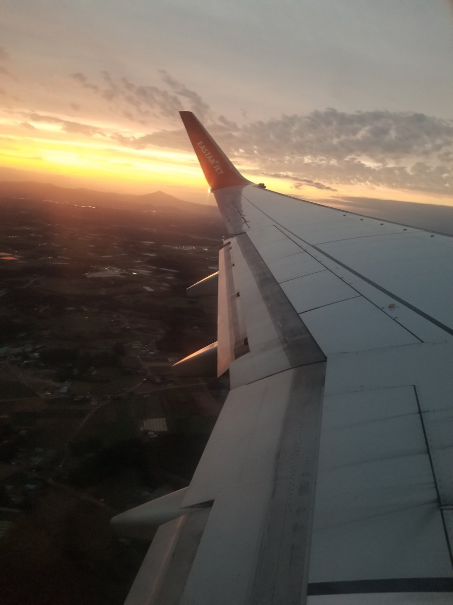 イースター航空。夕焼けが綺麗