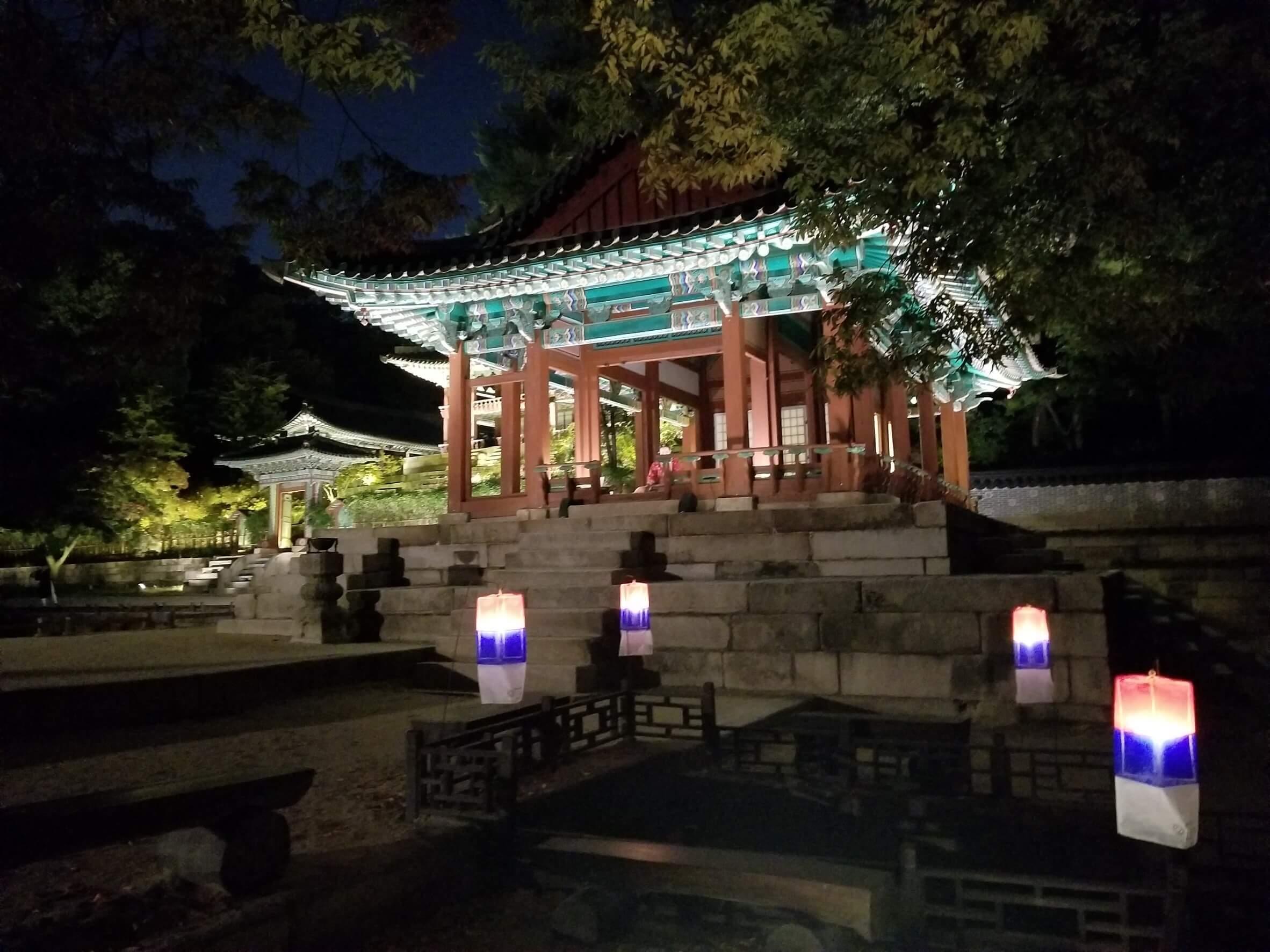 昌徳宮「月灯り紀行」:芙蓉亭(プヨンジョン)ライトアップが綺麗