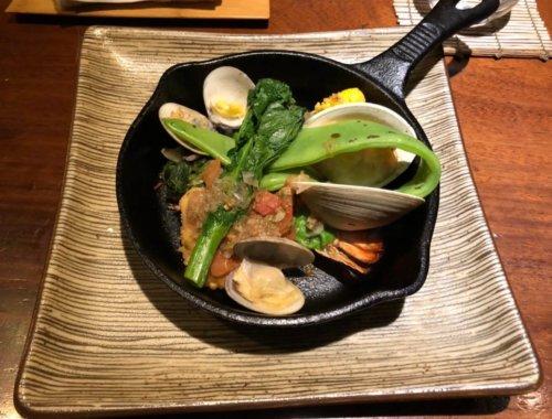 今彩:お魚料理オマールエビとスズキ。トマトソースはケッパーが効いていて美味しい!