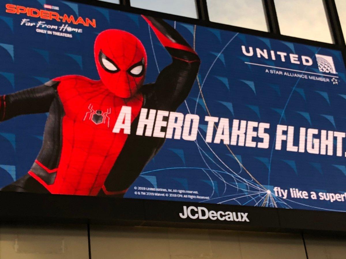 大事なことだからもう一度。ユナイテッド航空はスパイダーマンを応援しています:WDW&UORアメリカ新婚旅行