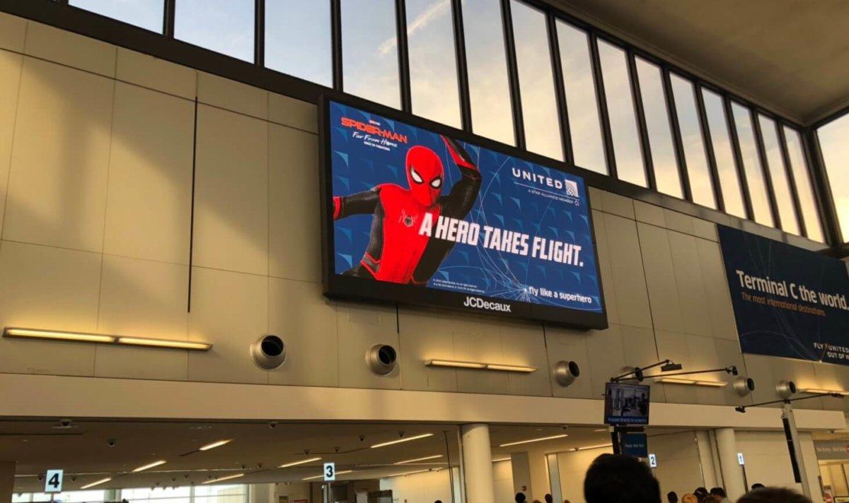ユナイテッド航空はスパイダーマンを応援しています:WDW&UORアメリカ新婚旅行
