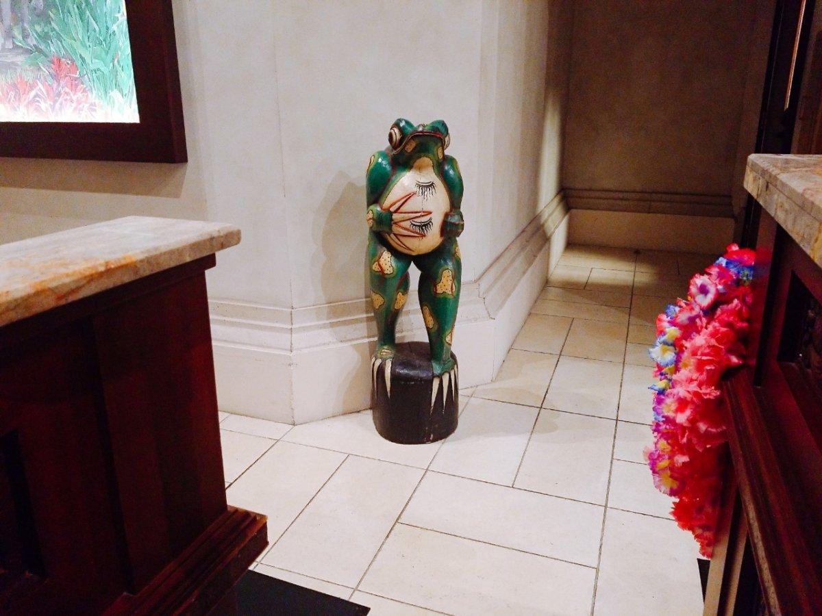 カエルの置物がそこにも…!:WDW&UORアメリカ新婚旅行