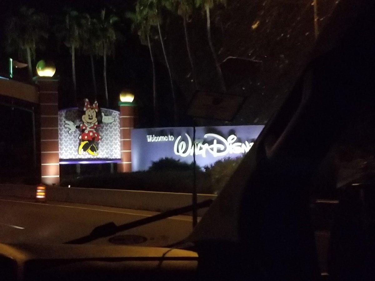 ディズニーワールドの入り口:WDW&UORアメリカ新婚旅行