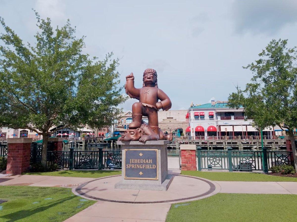 銅像!スプリングフィールド:ザ・シンプソンズ・ライド