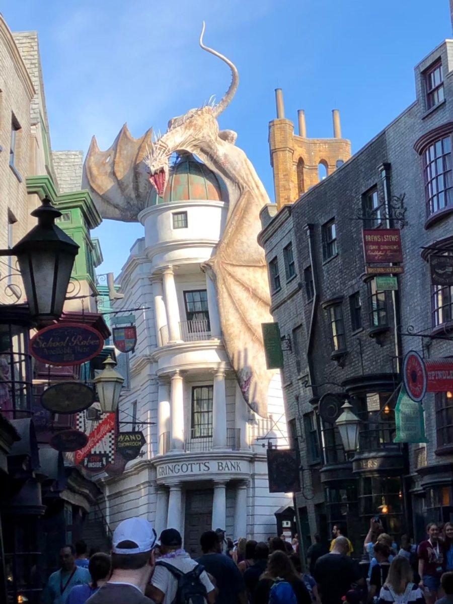 ドラゴン、飛びそう:ウェザーディング・ワールド・オブ・ハリー・ポッター