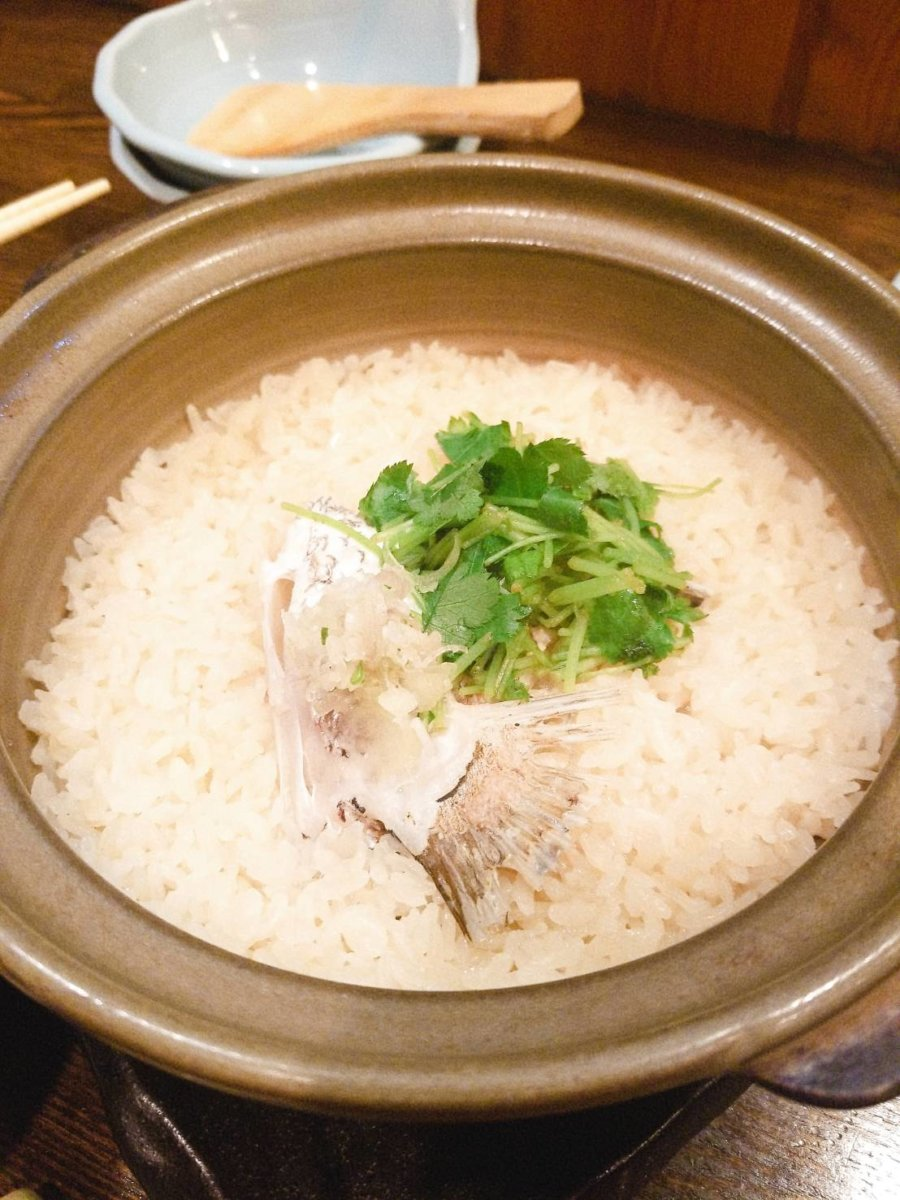 海鮮土鍋ごはん:魚菜 由良:魚介料理・海鮮料理
