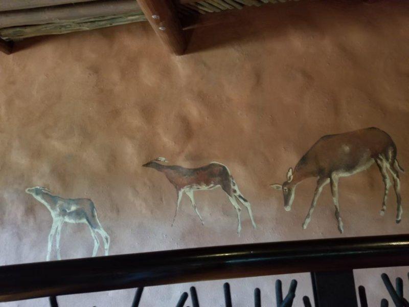 アニマルキングダム・ロッジの壁画。アフリカだよねぇ